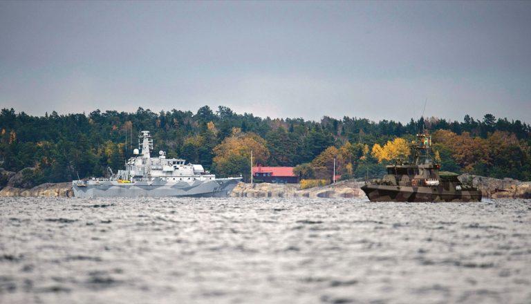 Rootslaste suhtumist NATOsse võis muuta ka allveelaevajaht eelmise aasta oktoobris. Pildil on Rootsi sõja- ja piirivalvelaevad allveelaeva otsimas.