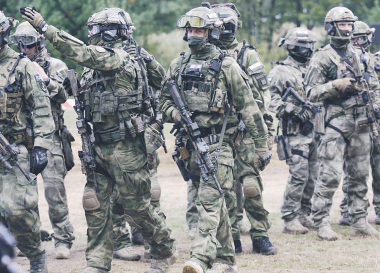 Õppused on üks viis, kuidas tagada NATO liitlaste pidev kohalolek allianssi piiririikides. Pildil Poola eriüksuslased selle aasta septembris Poolas toimunud ulatuslikel NATO liikmesriikide erivägede õppustel Nobel Sword-14.