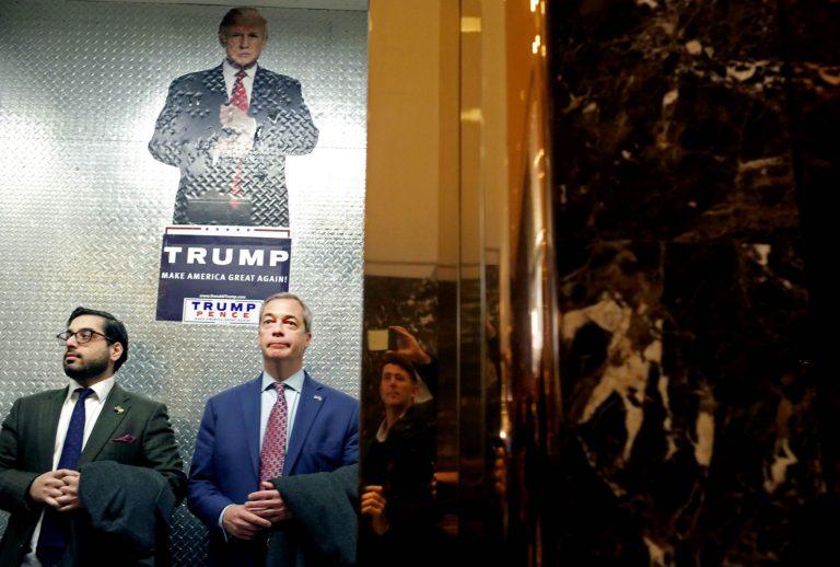 Briti Iseseisvuspartei liider Nigel Farage saabumas New Yorgis Trump Towerisse kohtuma Donald Trumpiga.