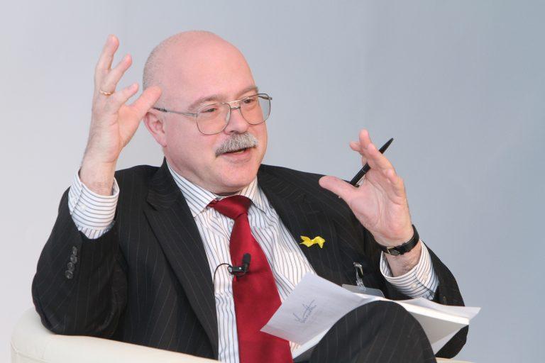 Dmitri Trenin 2011. aastal Lennart Meri konverentsi paneelis kõnelemas.
