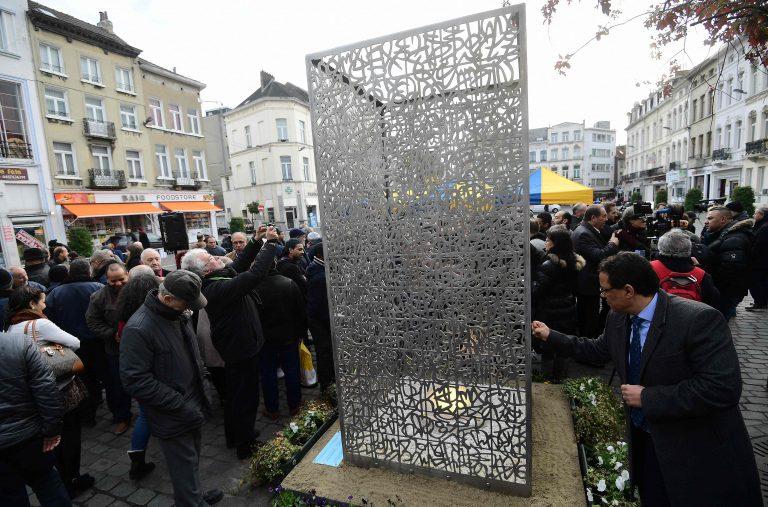 Brüsselis Molenbeeki linnaosas avati novembri algul mälestusmärk Pariisi ja Brüsseli terrorirünnakute ohvritele. Euroopa Liit on koostööd terrorismiga võitlemisel suurendanud ja kavatseb seda tulevikus veelgi kasvatada.