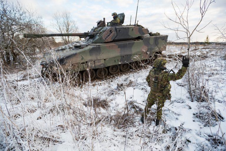 Moderniseeruv Eesti Kaitsevägi – pildil lahingumasin CV90 harjutustel.