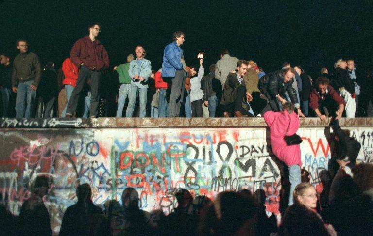 Berliini müüri langemine 1989. aastal tähendas sümboolselt 20. sajandi maailmakorralduse lõppu.