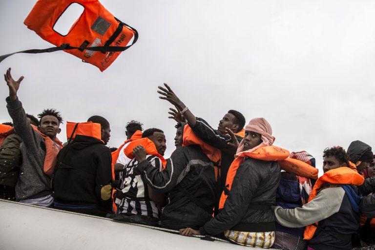Pildil päästetakse Liibüast pärit põgenikke selle aasta veebruaris. Liibüast tulnud on hakanud randuma ka seni kasutamata vähetuntud aladel.