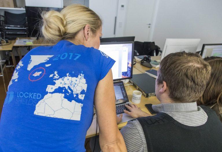 Eesti on panustanud palju küberkaitsele. Pildil hiljutisest küberkaitseõppusest Locked Schields osavõtjad.