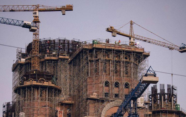 Veel ehitusjärgus Rahva Päästmise Katedraal eelmise aasta sügisel. Katedraal õnnistati sisse 2018. aasta novembris ja paavst Franciscus peab seal missa selle aasta mais.