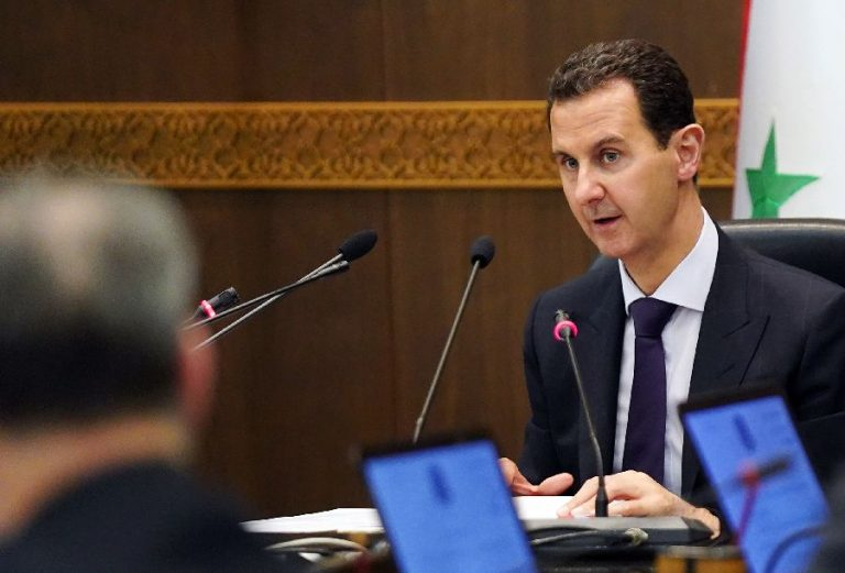 Süüria president Bashar al-Assad valitsuskabineti istungil.