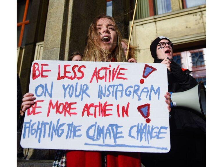 Poola tudeng nõudmas Krakowis 28. novembril tegutsemist kliimamuutuste osas. EL on kuulutanud kliimamuutustega tegelemise üheks oma prioriteediks.