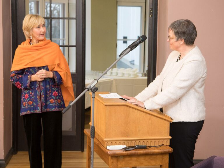 Eelmise aasta 10. detsembri inimõiguste päeva konverents Tallinnas. Pildil loo autor ja ENPA president Liliane Maury-Pasquier.