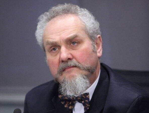 Andrei Zubov arvab, et ükski normaalne inimene ei pane Leninile ausammast.