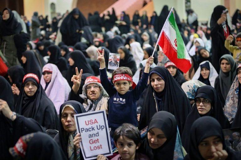 USA-vastased meeleolud valitsemas ajatolla Khamenei usujutlusel jaanuari lõpus Teheranis.