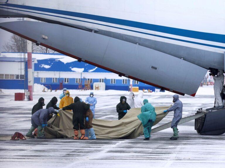 Venelased evakueerivad oma kodanikke Wuhanist 2020. aasta veebruaris.