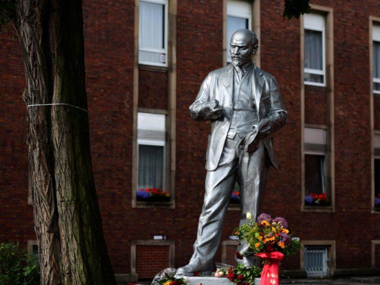 Monumentide hävitamise ja teisaldamise taustal tekib vastuolulisi monumente ka juurde – pildil on Saksamaal Gelsenkirchenis hiljuti avatud Lenini monument.