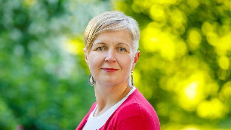 Liisa Past