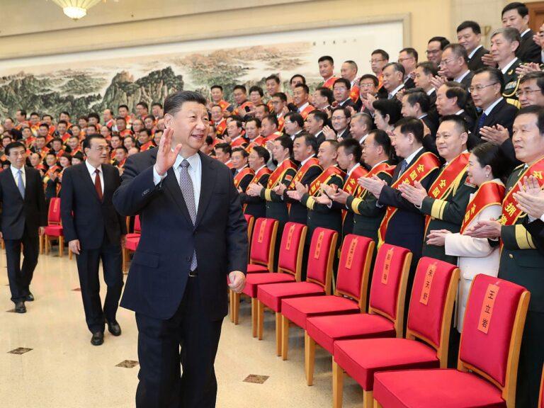 Hiina riigi esimees Xi Jinping kohtus mullu oktoobris Pekingis näidisorganisatsioonide ja tsiviil-sõjalise koostöö edendajatega.