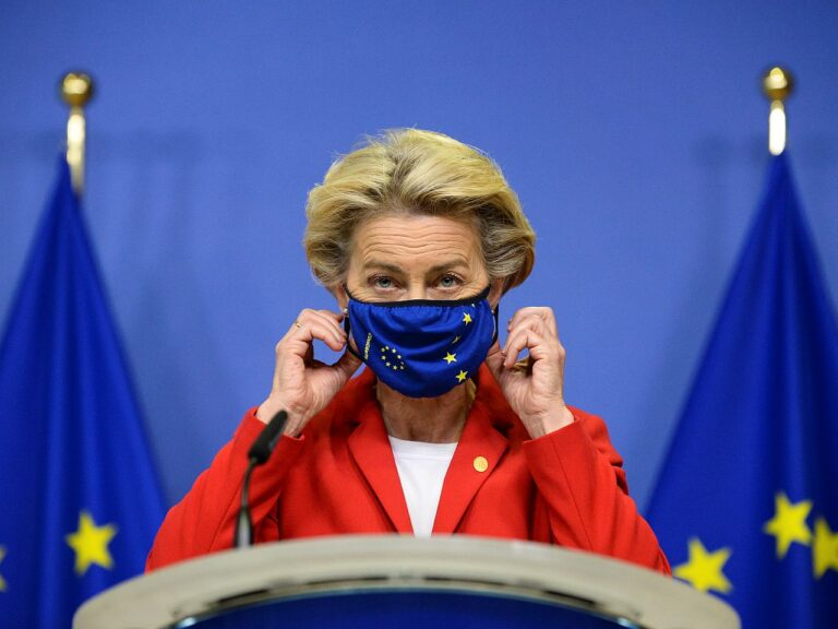 Euroopa Komisjoni president Ursula von der Leyen oktoobrikuisel ülemkogul. Enamik mulluseid ELi riigipeade ja valitsusjuhtide kohtumisi toimus koroonaviiruse tõttu veebi vahendusel.