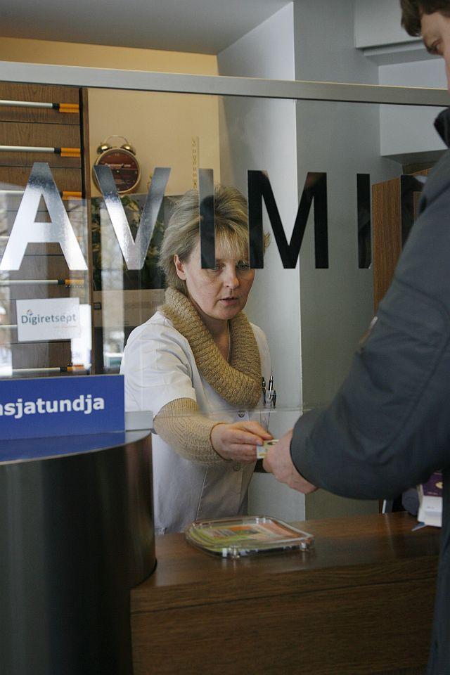 Üks silmapaistvamaid piiriüleseid e-teenuseid on Eesti ja Soome vahel toimiv digiretsept. Eestis välja antud digiretseptiga saab osta ravimeid Soome apteekidest ja vastupidi.