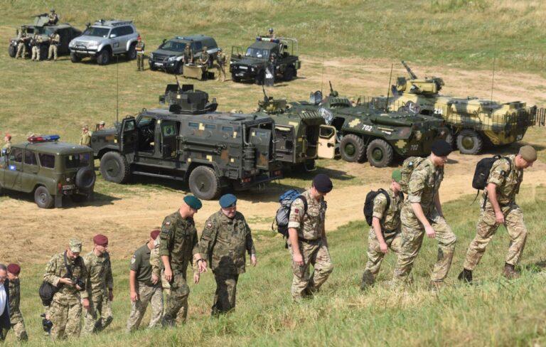Juulis toimus Lvivi oblastis Lääne-Ukrainas rahvusvaheline õppus Three Swords, kus osales üle 1200 sõjaväelase ja rohkem kui 200 lahingsõidukit Ukrainast, Leedust, Poolast ja USAst.