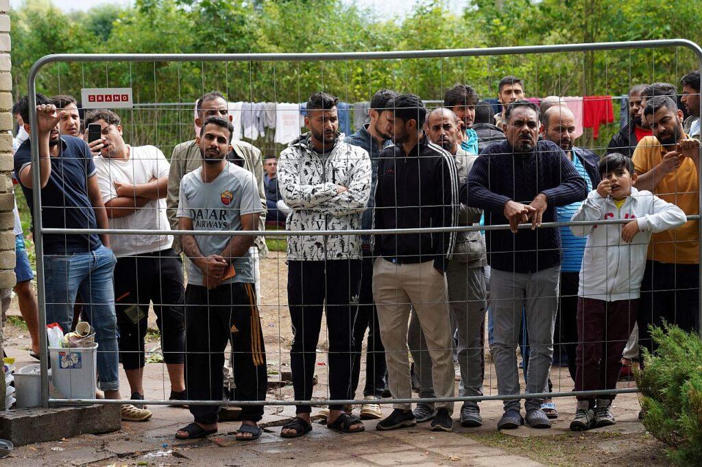 Sisserändajad ajutises keskuses Kazitiškis Leedus 2021. aasta augustis.